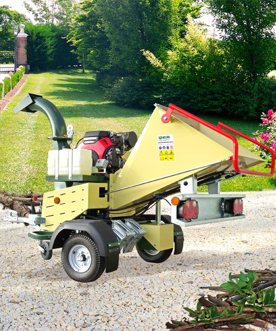 Profesionální mobilní štěpkovač bio - odpadu Negri Bio R240BHHP21ON