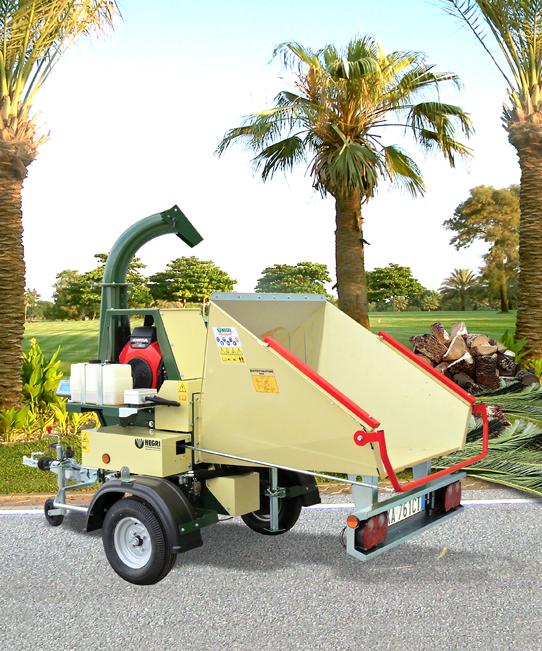 Profesionální mobilní štěpkovač bio - odpadu Negri Bio R255BHHP21ON