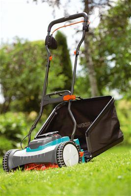 akumulatorova-vretenova-sekacka-na-travu-gardena-380-li