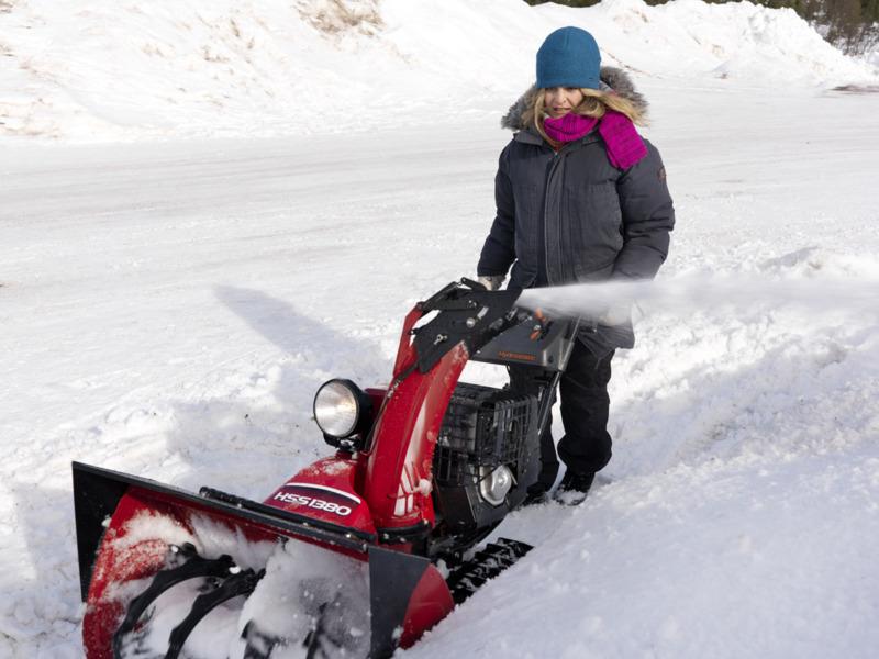 dvoustupnova-snehova-freza-honda-hss-1380-ets-0