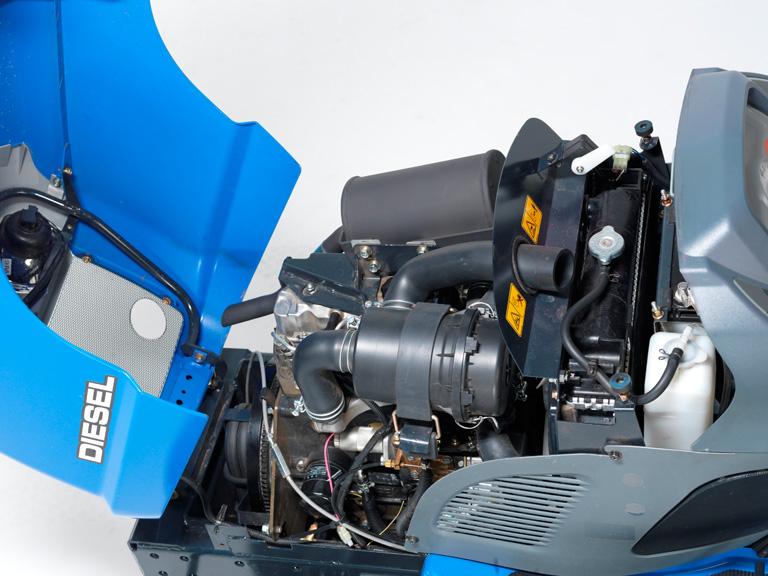 traktorov seka ka iseki sxg 216 h s v klopem na zem. Black Bedroom Furniture Sets. Home Design Ideas